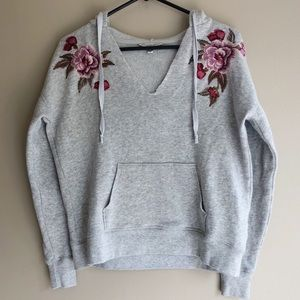 AEO Sweatshirt with patch work
